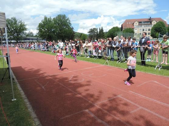 Die Läufer der 60er- und 80er-Strecke