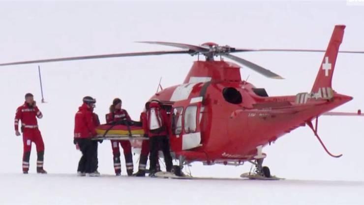 Lara Gut wird mit dem Helikopter ins Spital gebracht. Die bittere Diagnose: Kreuzbandriss und Meniskusschaden.