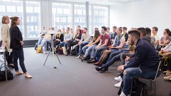 Ausschliesslich Frauen als Referentinnen am diesjährigen Praxistag für die Lernenden der Bildungsstadt Olten Bifang in der Fachhochschule Nordwestschweiz.