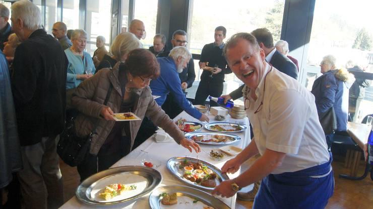 Freude herrscht mit Koni Seglias vom Restaurant Brüelmatt
