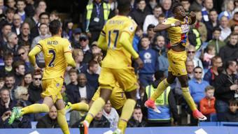 Wilfried Zaha (r.) schoss Crystal Palace gegen Chelsea in Führung.