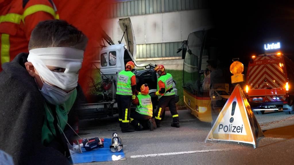 20 Verletzte und ein kaputtes Postauto – auf Übung mit den Blaulichtorganisationen