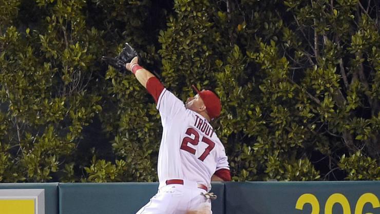 Michael Nelson Trout, zweimaliger MVP in der Major League Baseball (MLB), unterzeichnete als erster im US-Sport einen Vertrag über mehr als 400 Mio. Dollar - und er fängt diesen Ball