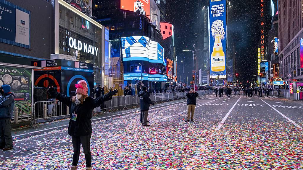 New York begrüsst 2021: Konfetti und «ball drop» - aber kaum Menschen