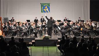DIe 75 Musikantinnen und Musikanten haben sich die eigene Messlatte hoch angesetzt.