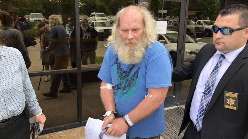 Festnahme über 30 Jahre nach dem Mord an US-Regisseur Barry Crane: Dem mutmasslichen Täter - ein 52-jähriger Mann - droht nun lebenslängliche Haft.