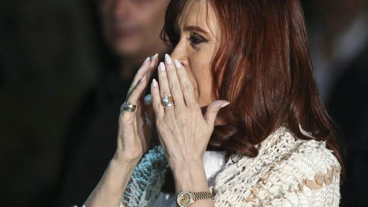 Argentiniens Ex-Präsident Cristina Fernández de Kirchner muss sich auf ein Gerichtsverfahren gefasst machen. (Archivbild)