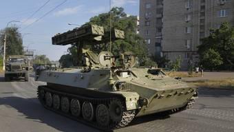 Rund 100 Fahrzeuge seien von Russland her in die Ukraine eingedrungen. (Symbolbild)