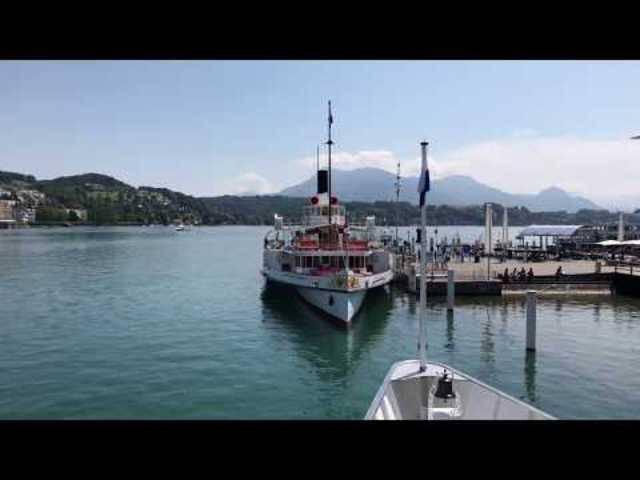 «Ich muss zugeben, das ist sehr cool»: Youtuberin Megballer23 auf Schweizer-Reise.