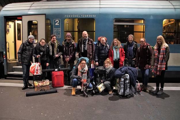 13 Teilnehmende des Nachhaltigskeitsprojekts Faires Lager fuhren mit dem Zug nach Polen.