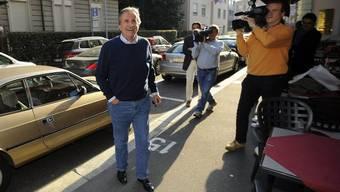 Giorgio Giudici erscheint zu einer Parteiversammlung der FDP in Lugano