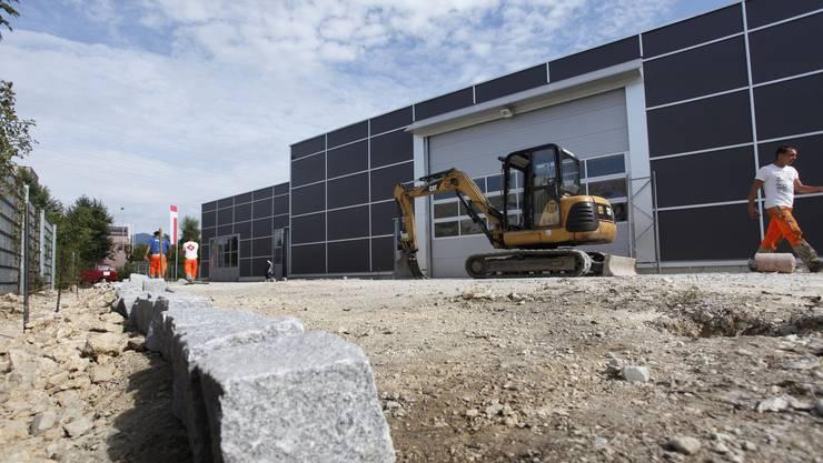 2011 baute die Regiomech ein neues Gebäude (Bild), 2013 kaufte sie ein weiteres Gebäude und vergrösserte ihren Aktionsradius.