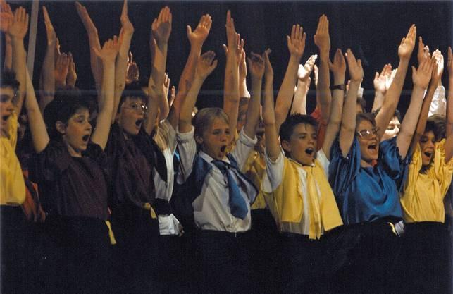 Das Musical «Suranja» wurde zur Eröffnung aufgeführt und war einErfolg: Es machte die «Bärenmatte» auf einen Schlag bekannt.zvg