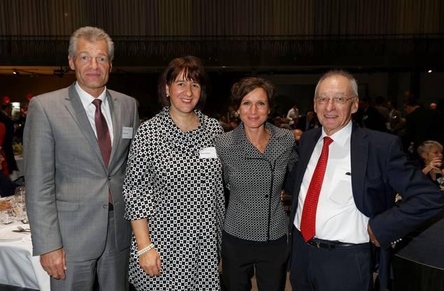 einz Karrer (Präsident Economiesuisse), Jasmin Staiblin (CEO Alpiq), Pascale Bruderer (Ständerätin) und Fritz Sutter (Organisator «Smart Energy Party»)