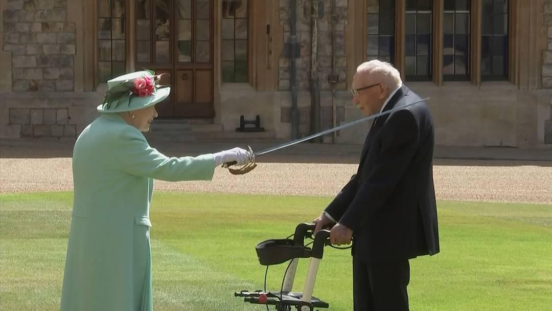 Queen schlägt Rekord-Spendensammler Tom Moore (100)  zum Ritter