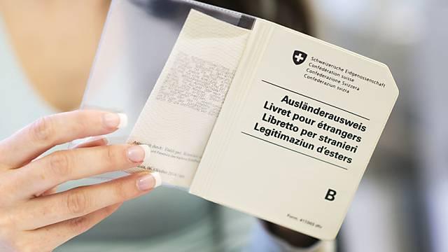 Die Gemeinden werden wieder ins Ausstellungsverfahren der Identitätskarten und der Ausländerausweise miteinbezogen.