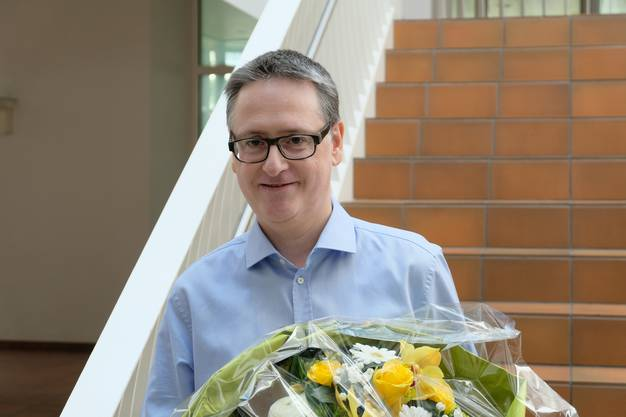 Und von Stadtschreiberin Karin Hauser gab es im Namen der Stadt einen Blumenstrauss...