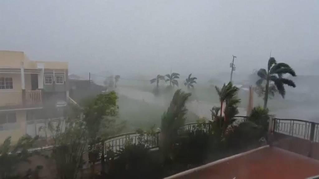 Philippinen: Taifun «Vongfong» trifft mit 190 km/h auf die Küste