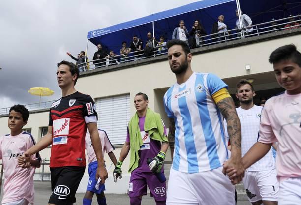 Die Captains Sandro Burki (links) und Pasquale Sbarra führen ihre Teams an.