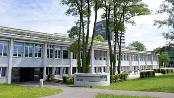 Das Schulgebäude des Bildungszentrum Gesundheit und Soziales musste evakuiert werden.