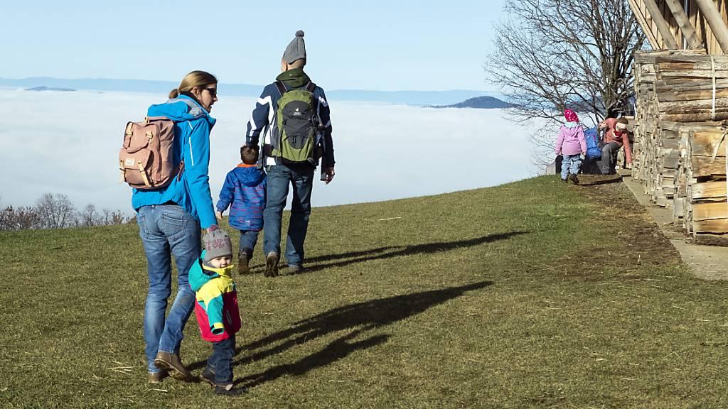 In Obwalden sollen die Familienzulagen leicht steigen