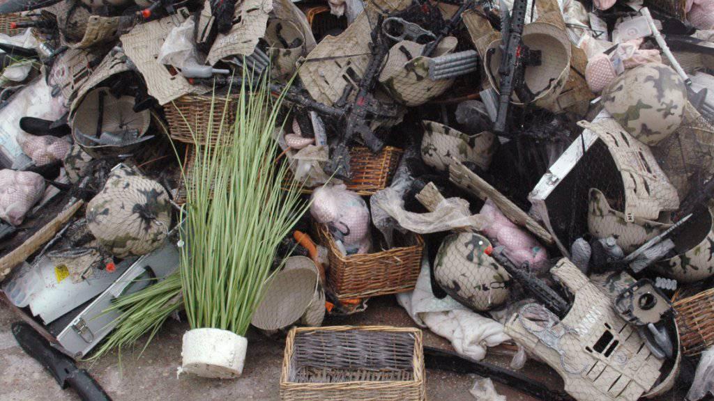 Diverse Güter waren nach der Havarie an Strand gespült worden.