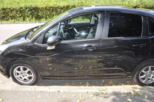 Trimbach SO, 18.September: Am Amthausquai sind 11 parkierte Autos durch zwei unbekannte Männer mutwillig beschädigt worden.