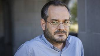Der Schweizer Autor Jonas Lüscher ist zornig über aufkeimenden Nationalismus und erstarkenden Rechtspopulismus in Europa. Deshalb stellt er sein Romanprojekt hintenan und ruft zu politischem Protest auf die Strasse. (Archivbild)