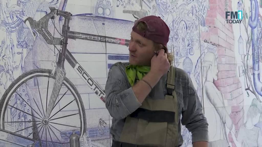 Künstler malt 15 Quadratmeter grosses Bild – mit Kugelschreiber
