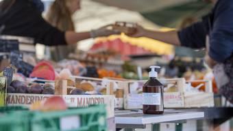 Lebensmittelmärkte sollen unter Einhaltung spezieller Vorschriften wieder öffnen.