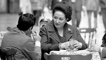 Montserrat_Caballé,_Bernabé_Martí_and_son_1971d