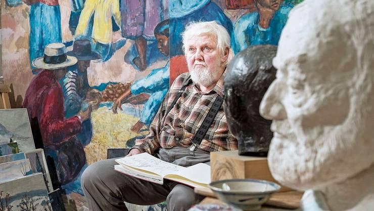 Kurt Hediger in seinem Atelier.