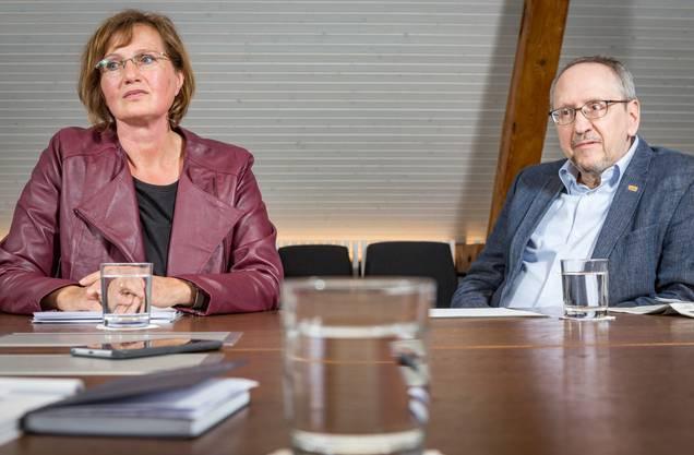 Gemeindepräsidentin Sandra Rottensteiner (EVP) und Gesundheitsvorstand Andreas Herren (SP) nehmen Stellung.