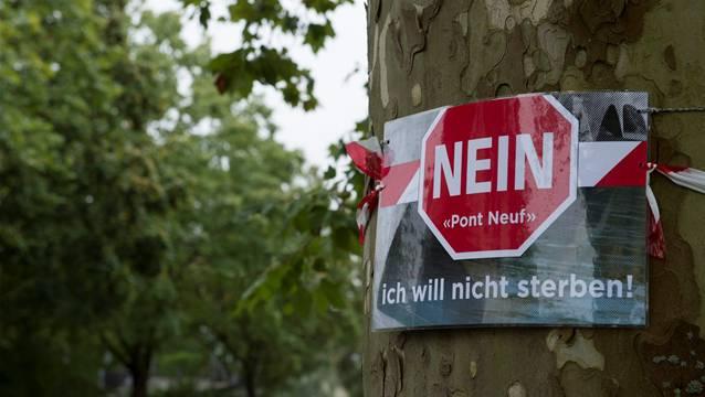 Das Komitee gegen den Pont Neuf wehrte sich unter anderem dagegen, dass für die neue Brücke Bäume geopfert werden.