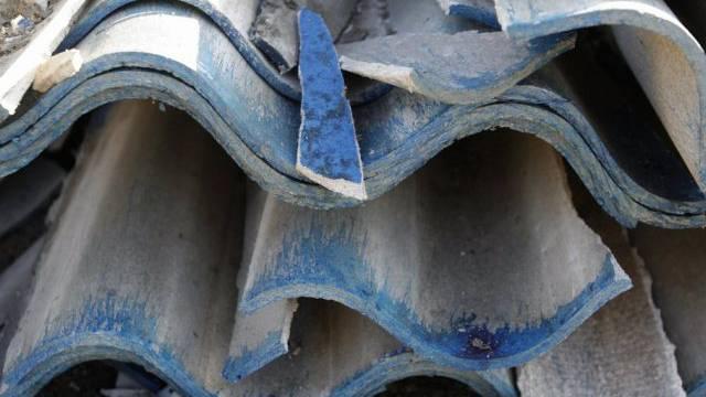 Asbesthaltige Eternitplatten (Archiv)
