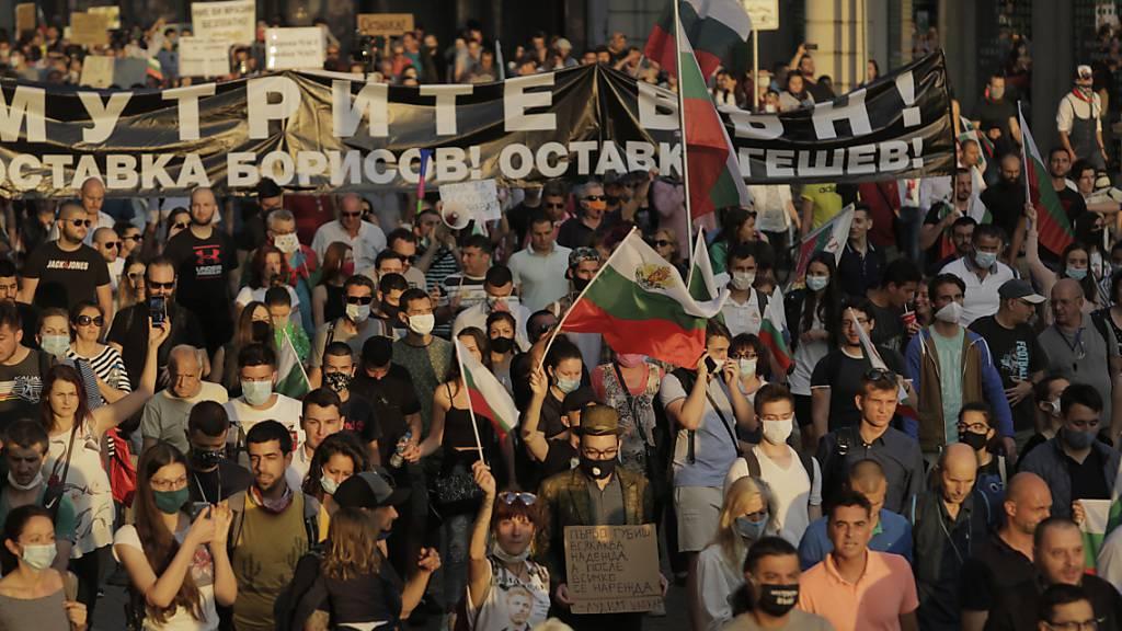 Erneut demonstrieren Tausende in Sofia gegen die Regierung