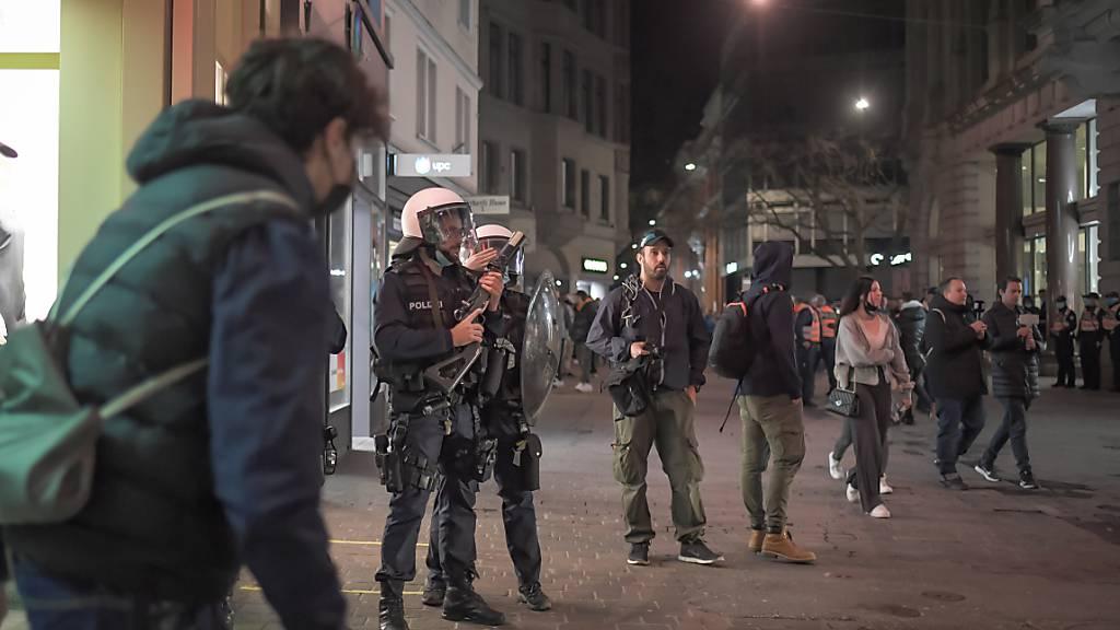 Nach Ausschreitungen in St. Gallen 19 Personen auf den Posten