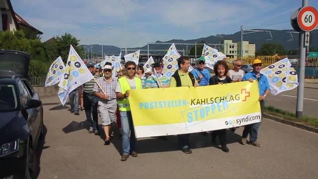 Demonstration in Däniken gegen den Poststellenabbau