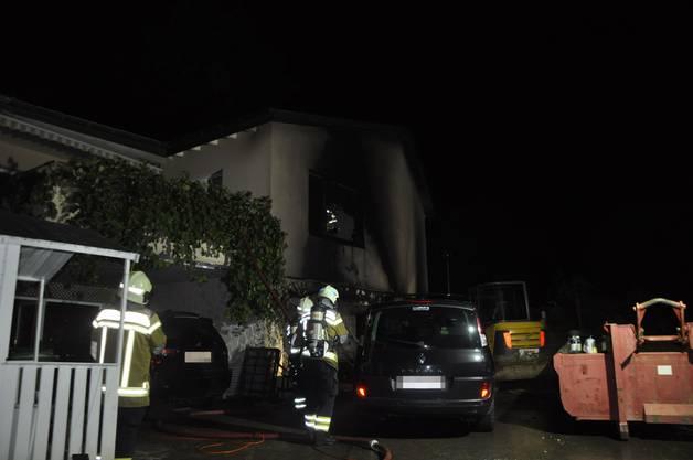 Dornach SO, 11. Oktober: In einem Einfamilienhaus in Dornach brannte am Donnerstagabend die Garage. Niemand wurde dabei verletzt.