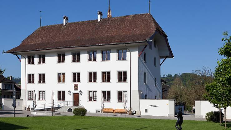 Das Schloss ist ein spätgotisches Herrenhaus in der Gemeinde Schöftland.