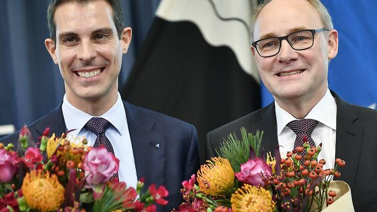 Bürgerliches Aargauer Duo: Thierry Burkart (FDP), links, und Hansjörg Knecht (SVP) strahlen nach ihrer Wahl in den Ständerät.