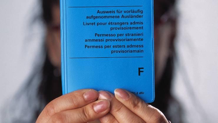 Die Demonstranten kritisierten insbesondere den Entscheid des Zürcher Kantonsparlaments, Geflüchteten mit F-Ausweis die Sozialhilfe zu entziehen. Keystone