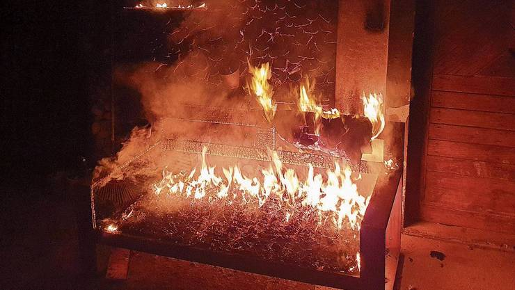 2. Dezember: Eine Bank an einer Holzwand brennt. 1. Dezember: Das älteste Haus steht in Flammen. 17. August: Die Waldhütte brennt komplett nieder. 16. August: Der Brand bei der Kistenfabrik kann gelöscht werden.