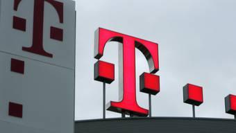 Der Umsatz der deutschen Telekom kletterte um knapp neun Prozent auf 19,5 Milliarden Euro. (Archivbild)