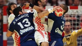 Kein Durchkommen für den Kroaten Ivano Balic gegen die französische Abwehr