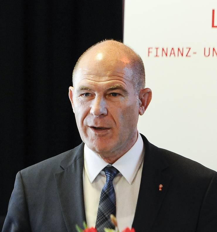 Anton Lauber, Baselbieter Finanzdirektor