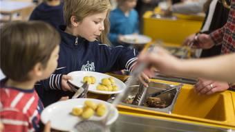 Blick in eine Tagesschule beim Mittagessen. (Symbolbild)