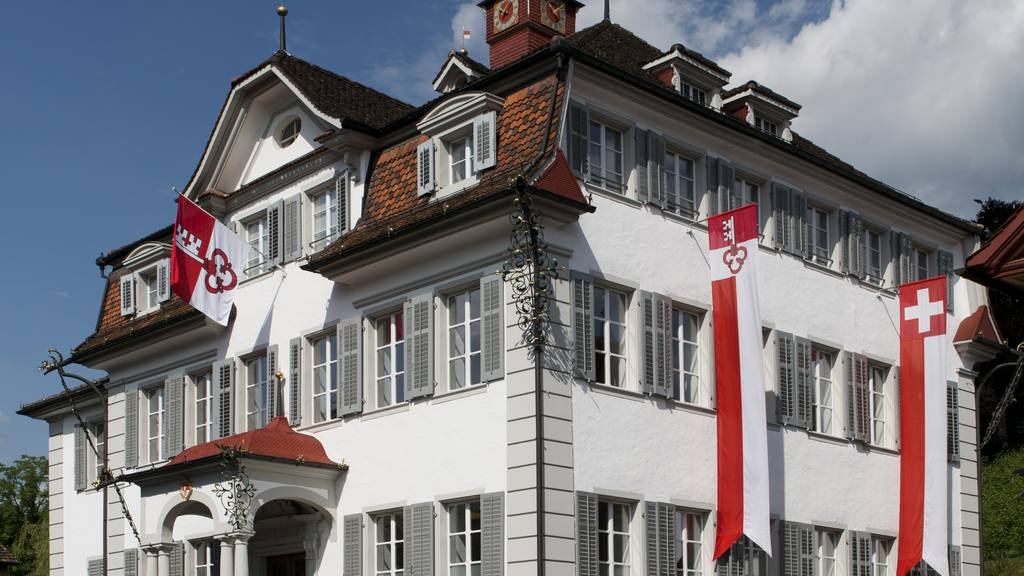 Obwalden: Sparen mit Finanzstrategie 2027plus