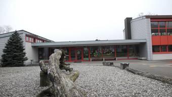 Die Schule in Etzgen soll geschlossen werden - so hat das Stimmvolk an der Gmeind entschieden.