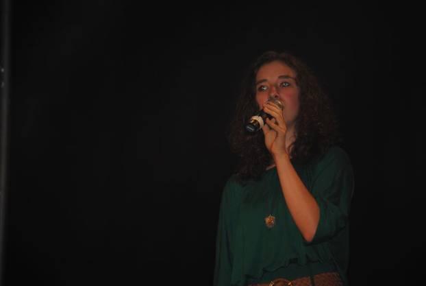 Madlaina Krummenacher aus Derendingen singt Hallelujah